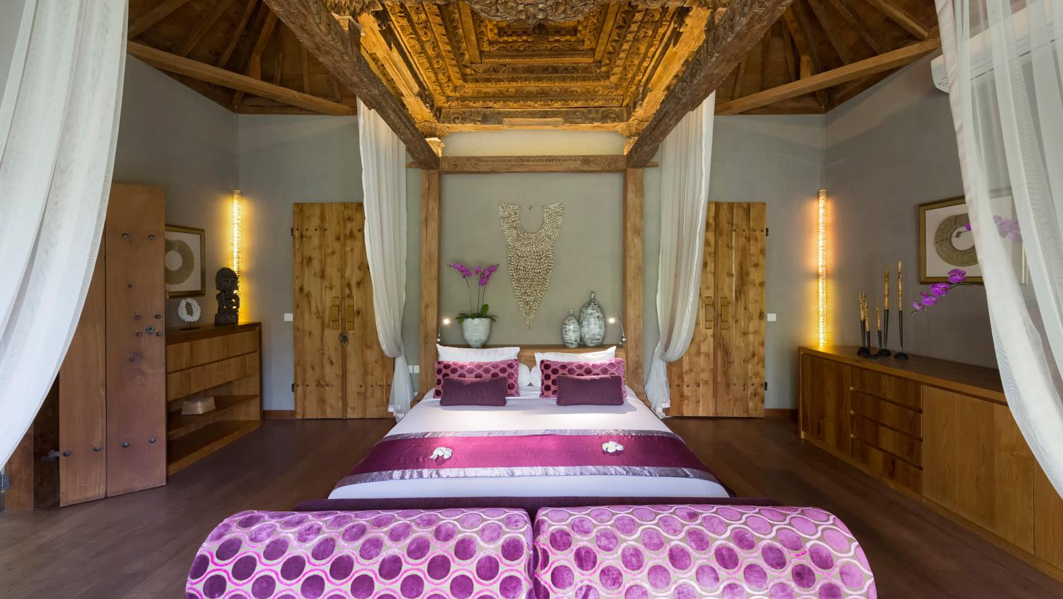 Bedroom with Seating Area - Villa Shambala - Seminyak, Bali