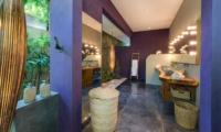 Semi Open Bathroom - Villa Shambala - Seminyak, Bali