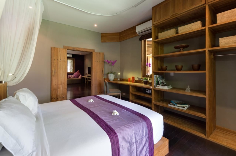 Bedroom with Study Table - Villa Shambala - Seminyak, Bali