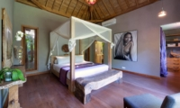 Spacious Bedroom with Wooden Floor - Villa Shambala - Seminyak, Bali