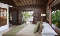 Bedroom and Balcony - Villa Shinta Dewi - Seminyak, Bali