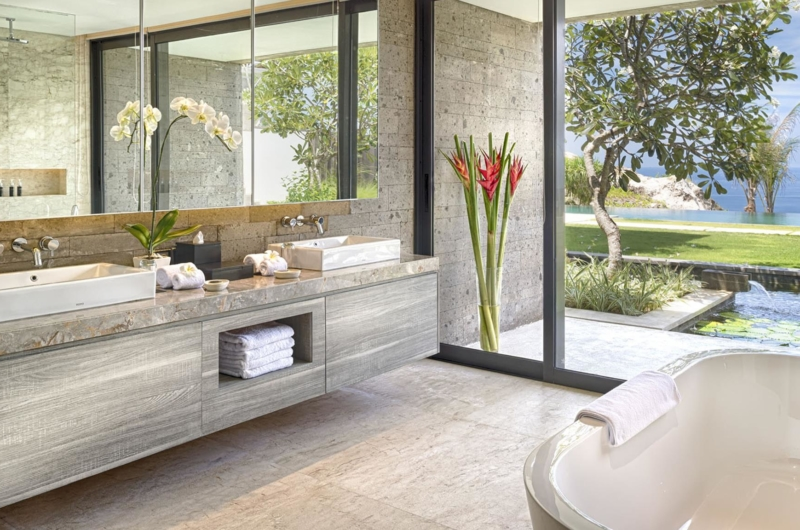 His and Hers Bathroom with Sea View - Villa Soham - Ungasan, Bali
