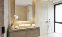 Bathroom with Mirror - Villa Soham - Ungasan, Bali