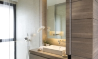 En-Suite Bathroom with Mirror - Sohamsa Ocean Estate - Ungasan, Bali