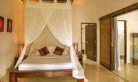 Bedroom with Net - Villa Sophia - Seminyak, Bali