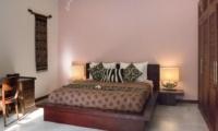 Bedroom with Table Lamps - Villa Suliac - Legian, Bali