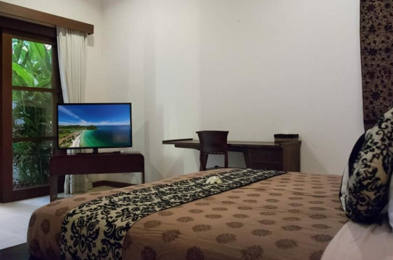 Bedroom with TV - Villa Suliac - Legian, Bali