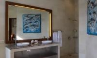 Bathroom with Mirror - Villa Suliac - Legian, Bali