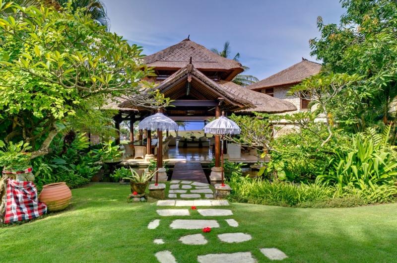 Tropical Garden - Villa Sungai Tinggi - Pererenan, Bali