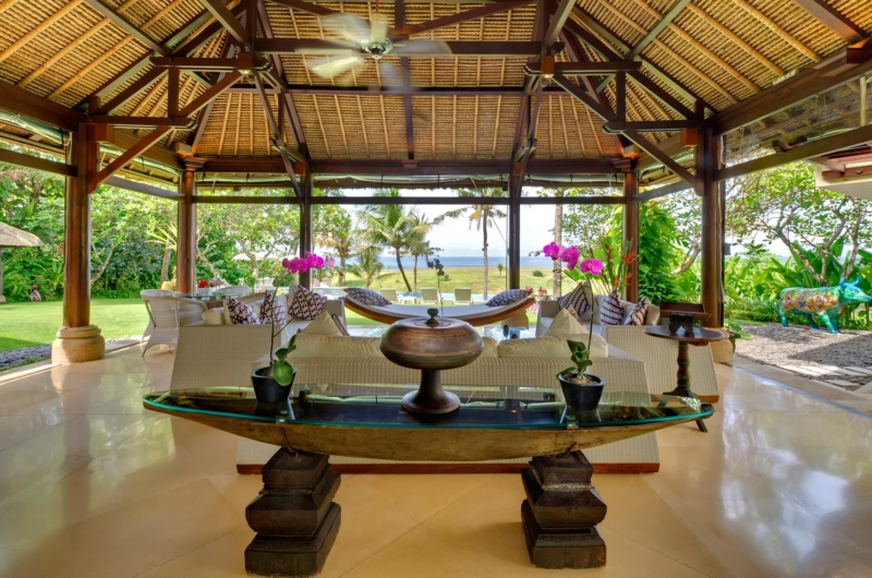 Living Area with Sea View - Villa Sungai Tinggi - Pererenan, Bali