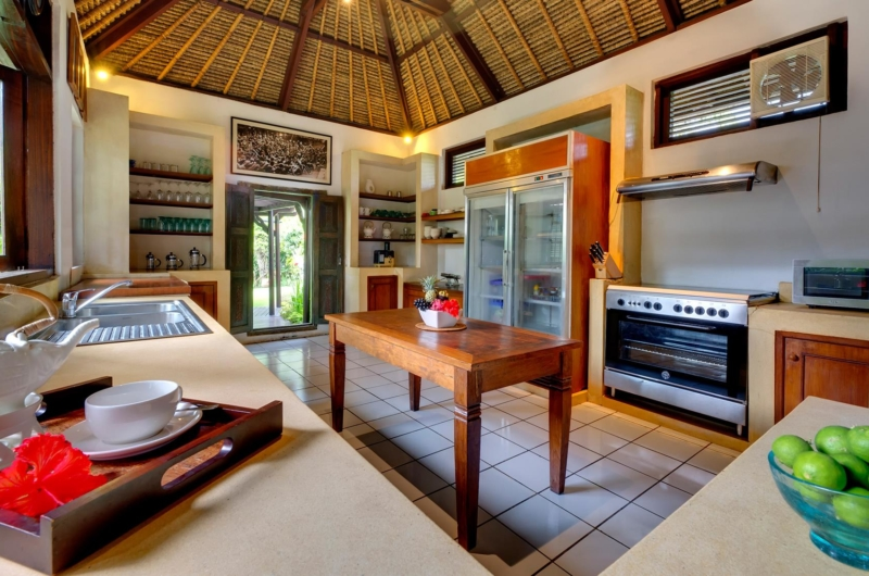 Kitchen with Utensils - Villa Sungai Tinggi - Pererenan, Bali