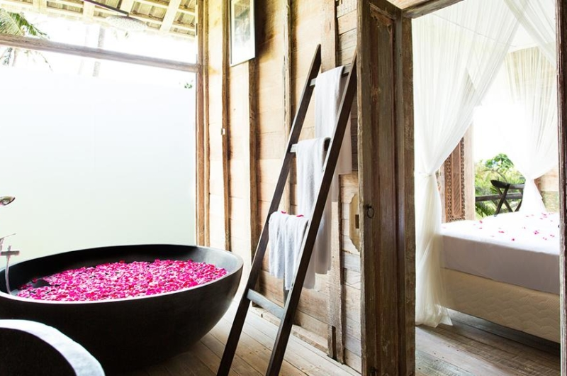 Romantic Bathtub Set Up with Rose Petals - Villa Sungai Tinggi - Pererenan, Bali