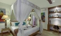 Bedroom with Study Table - Villa Tangram - Seminyak, Bali