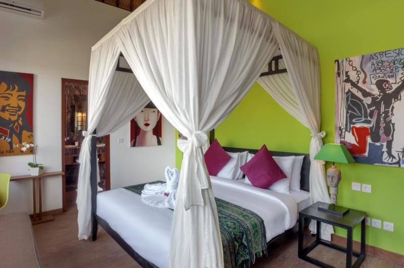 Bedroom with Four Poster Bed - Villa Tangram - Seminyak, Bali