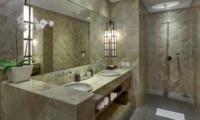 His and Hers Bathroom with Shower - Villa Tangram - Seminyak, Bali