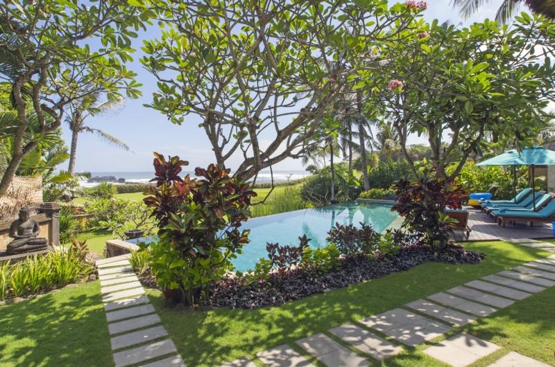 Gardens and Pool - Villa Tanju - Seseh, Bali