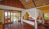 Bedroom with TV - Villa Tanju - Seseh, Bali