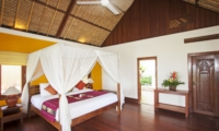 Bedroom with Four Poster Bed - Villa Tanju - Seseh, Bali