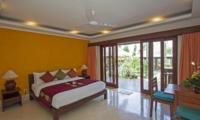 Bedroom with Study Table - Villa Tanju - Seseh, Bali