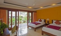 Twin Bedroom with Outdoor View - Villa Tanju - Seseh, Bali