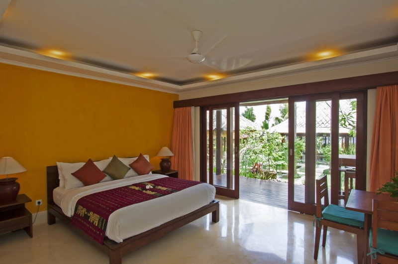 Bedroom with Lamps - Villa Tanju - Seseh, Bali