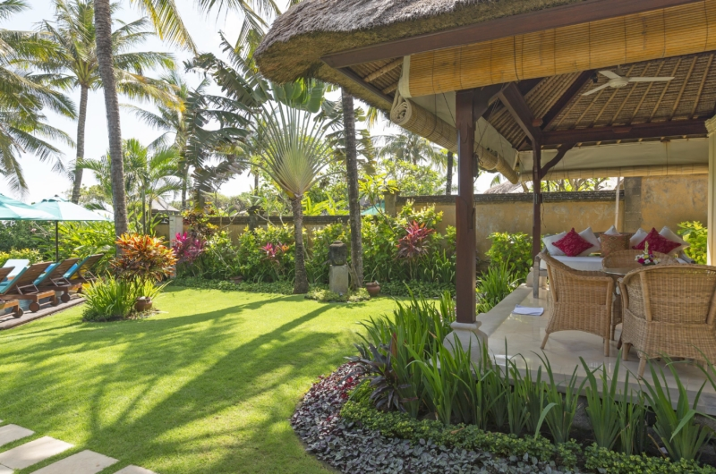 Outdoor Seating Area with View - Villa Tanju - Seseh, Bali