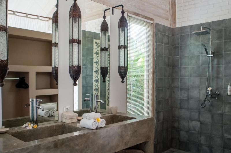 His and Hers Bathroom - Villa Taramille - Kerobokan, Bali