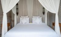 Room with Side Tables - Villa Taramille - Kerobokan, Bali