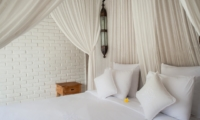 Room with Side Lamps - Villa Taramille - Kerobokan, Bali