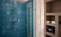 Bathroom with Shower - Villa Taramille - Kerobokan, Bali