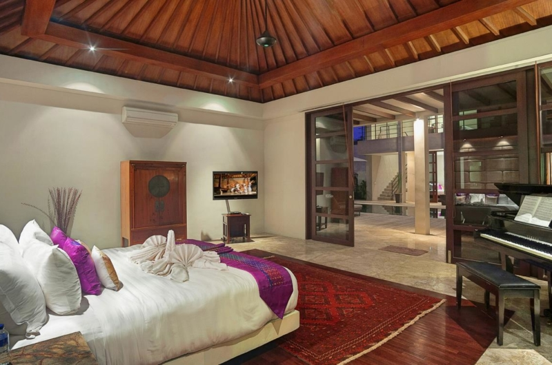Bedroom with Piano - Villa Teana - Jimbaran, Bali