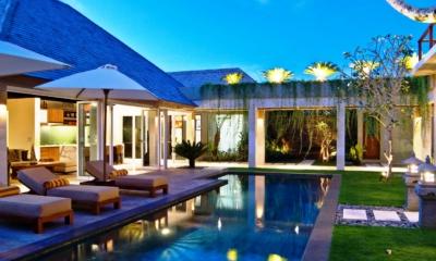 Night View - Villa Tenang - Batubelig, Bali