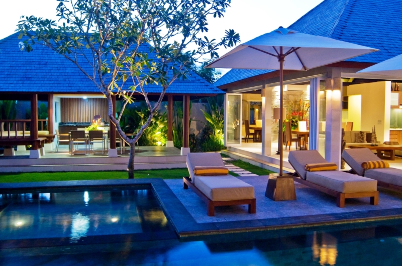 Gardens and Pool at Night - Villa Tenang - Batubelig, Bali