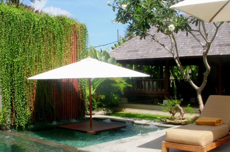 Gardens - Villa Tenang - Batubelig, Bali