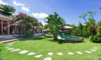 Gardens and Pool - Villa Theo - Umalas, Bali