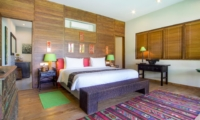 Bedroom with Wooden Floor - Villa Theo - Umalas, Bali