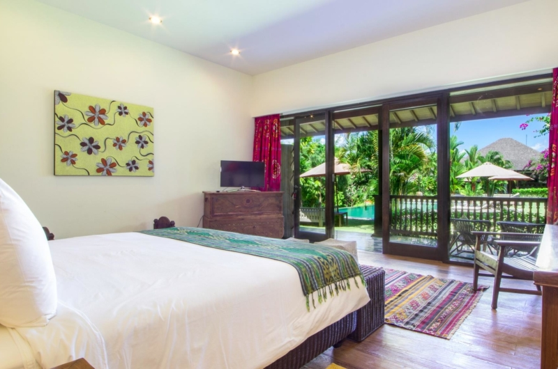 Bedroom with Pool View - Villa Theo - Umalas, Bali