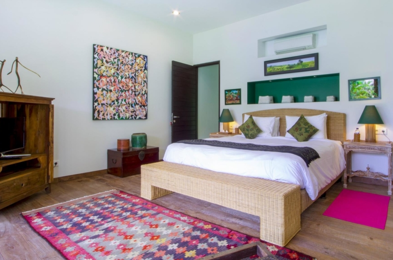 Bedroom with TV - Villa Theo - Umalas, Bali