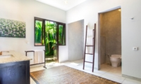 En-Suite His and Hers Bathroom - Villa Theo - Umalas, Bali