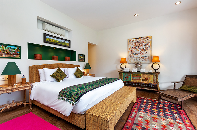 Bedroom with Side Table - Villa Theo - Umalas, Bali