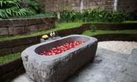 Outdoor Bathtub with Rose Petals - Villa Tirtadari - Canggu, Bali