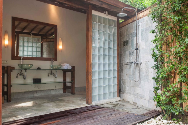 His and Hers Bathroom - Villa Tirtadari - Canggu, Bali