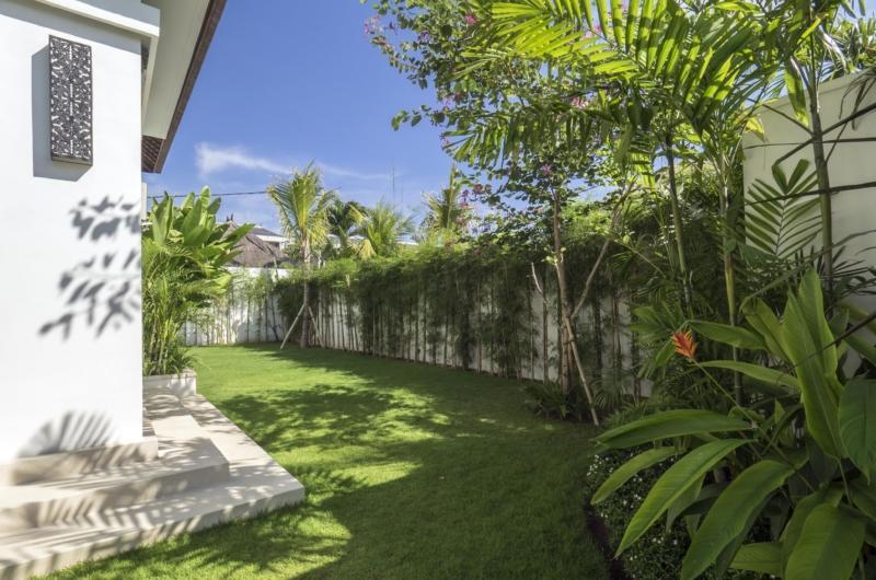 Lawns - Villa Tjitrap - Seminyak, Bali
