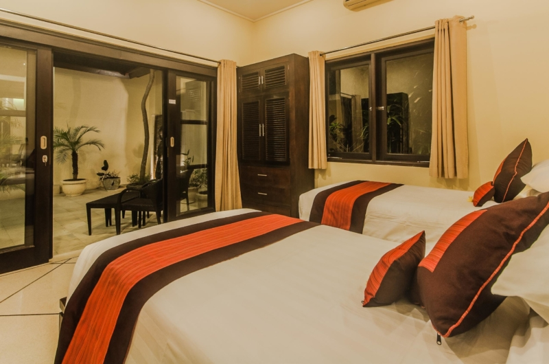 Twin Bedroom and Balcony - Villa Tresna - Seminyak, Bali