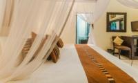 Bedroom with TV - Villa Tresna - Seminyak, Bali