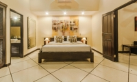 Bedroom with Mirror - Villa Tresna - Seminyak, Bali