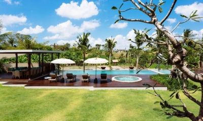 Gardens and Pool - Villa Umah Daun - Umalas, Bali