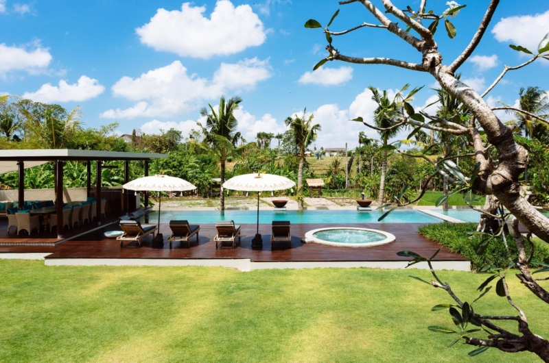 Gardens and Pool - Villa Umah Daun - Umalas, Bali