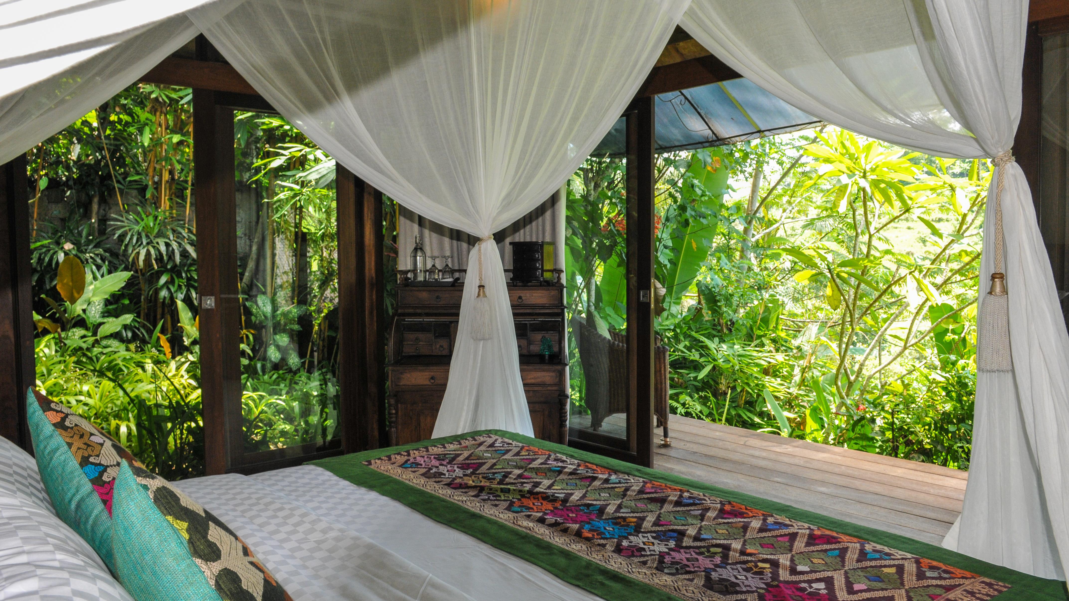 Bedroom with Outdoor View - Villa Umah Shanti - Ubud, Bali