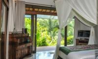 Bedroom and Balcony - Villa Umah Shanti - Ubud, Bali